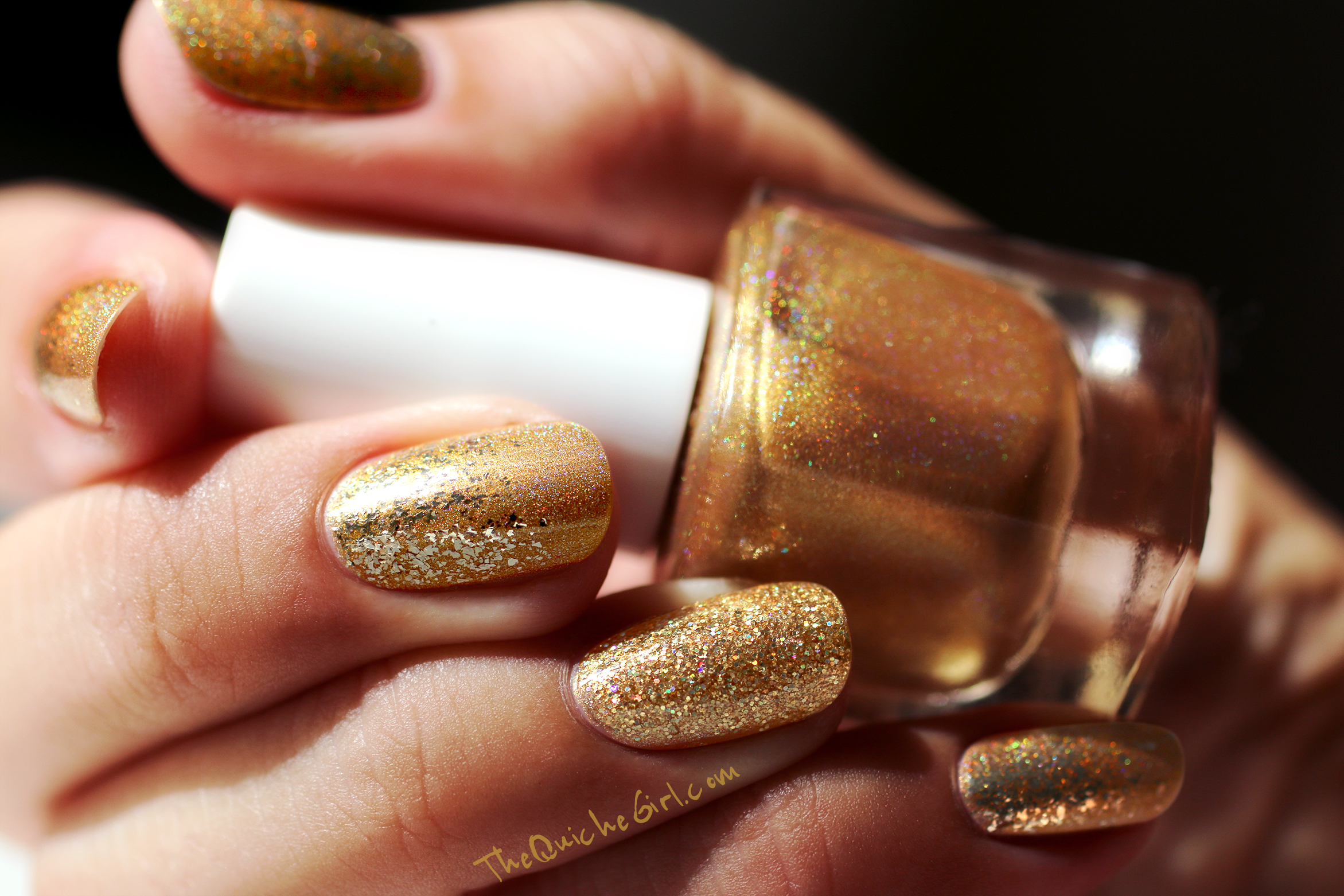Or, Gold, Fun Lacquer,paillettes, natural light, QuicheGirl