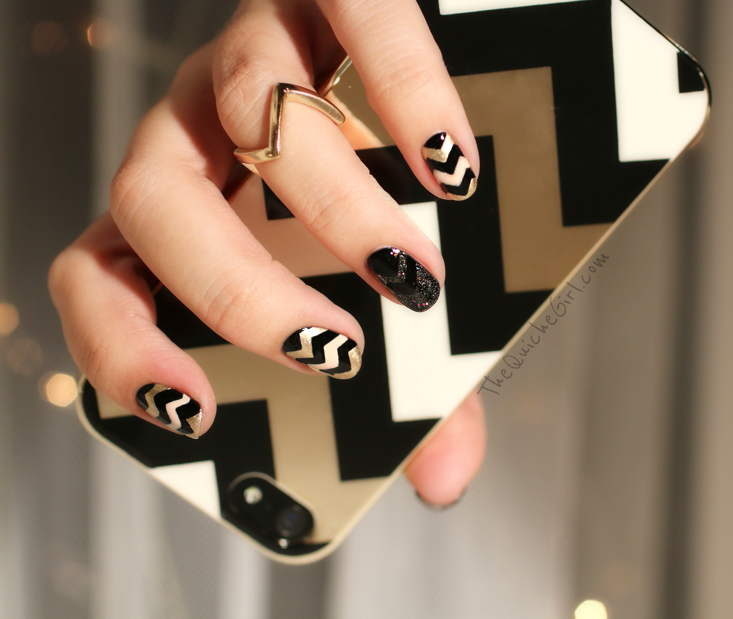 NCLA, Essie, Chevrons, coque iphone, nouvel an, QuicheGirl